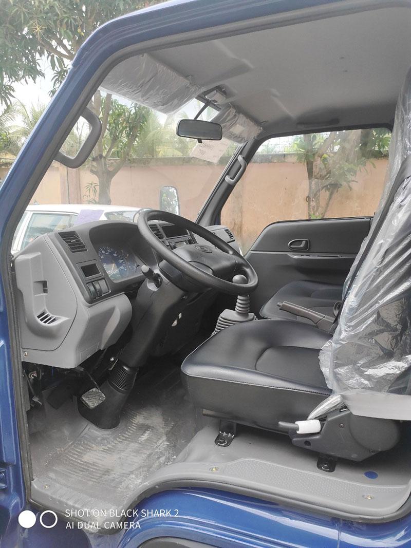 Nội thất bên trong Xe tải Đô Thành IZ49